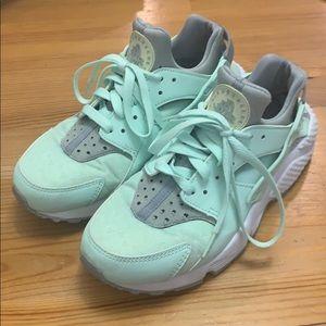 ✨ Nike Huarache ✨